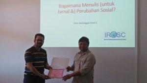Dominggus Elcid Li, Ph.D Berbagi Pengalaman Penelitian terkait Nusa Tenggara Timur